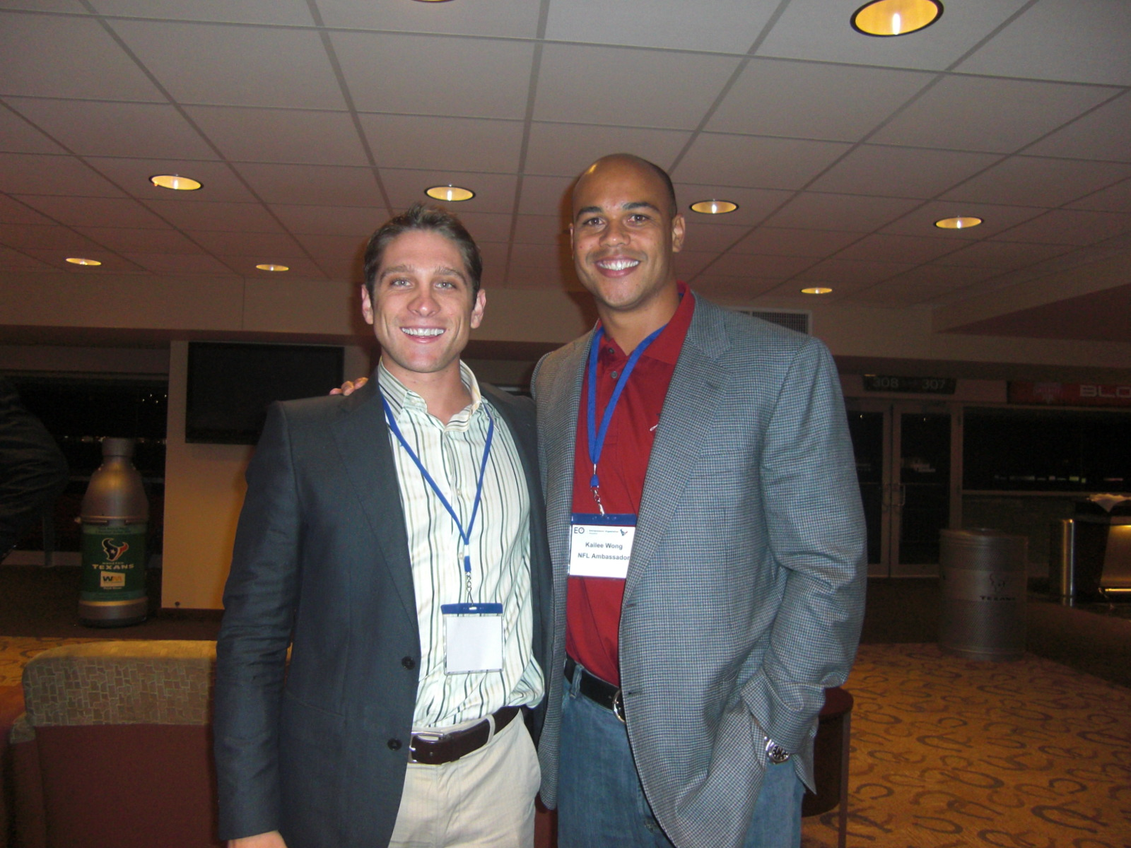 I chill with Kailee Wong, a retired player from the Vikings and Texans. He's always looking for his next business opportunity, so I steered him towards real estate (and MyHouseDeals.com, of course!).