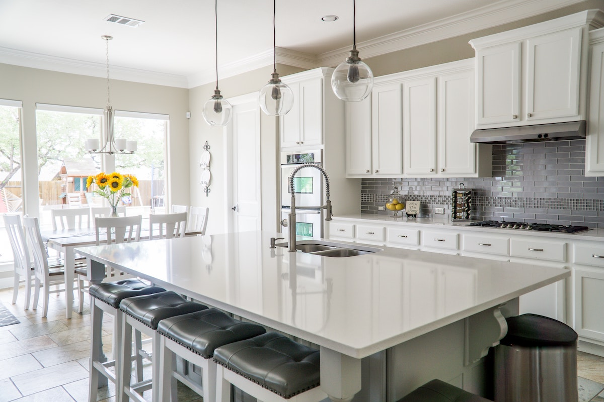 ARV in real estate can be boosted by updating or renovating a kitchen. This is a picture of a newly updated kitchen.